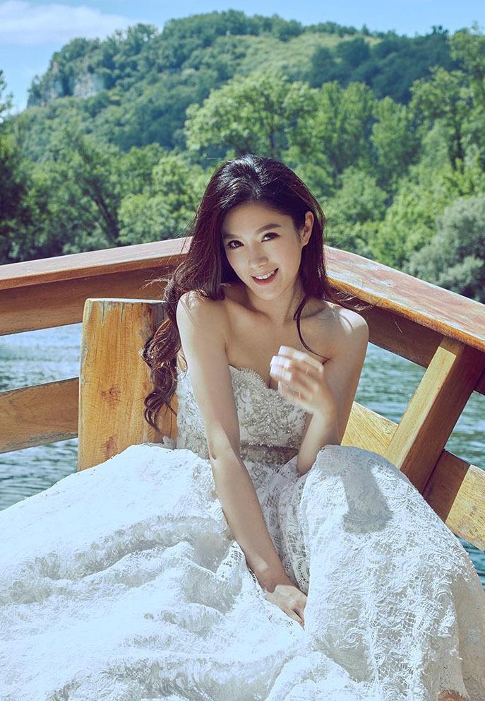 Hoa hậu Trung Quốc ly thân chồng đại gia sau 3 năm kết hôn