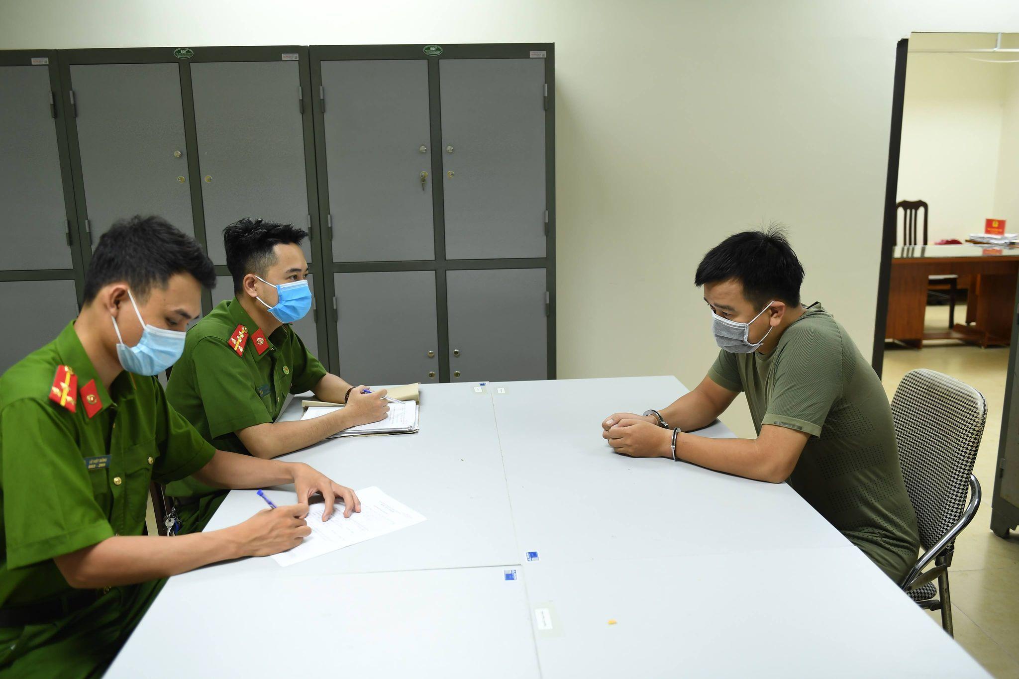 Hà Nội: Xóa sổ đường dây tổ chức đánh bạc qua mạng quy mô lớn