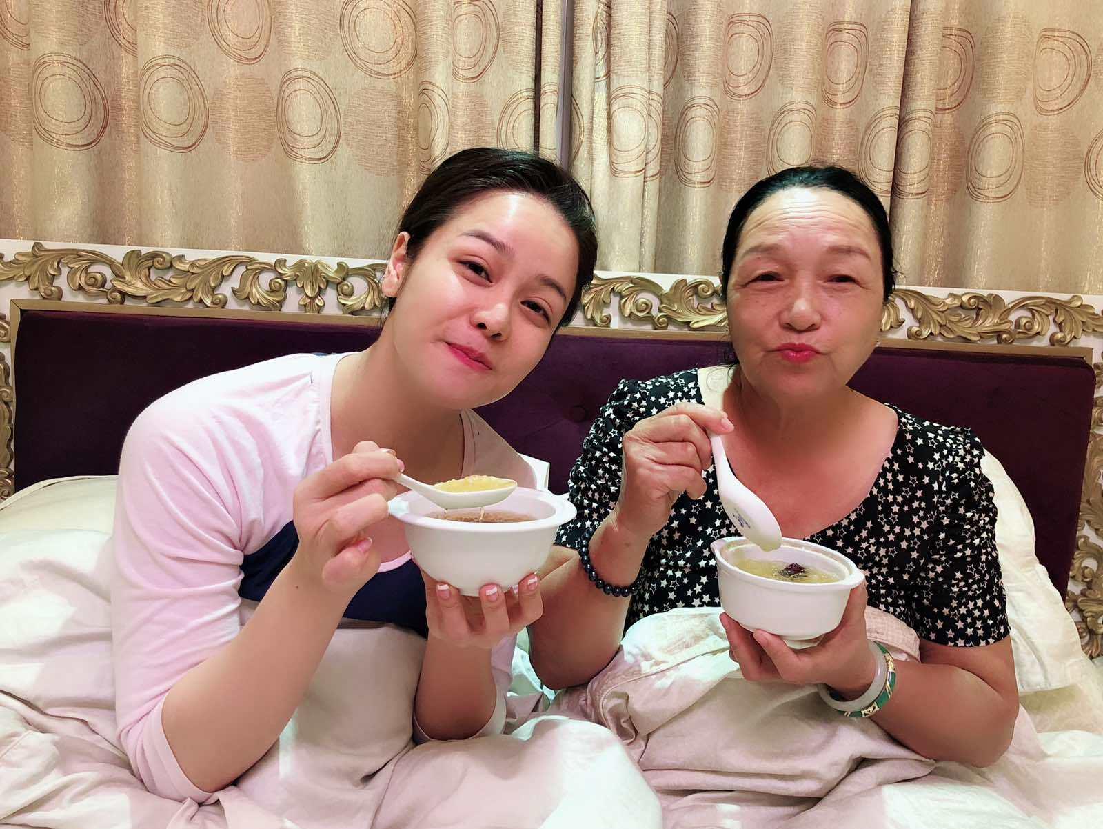 Nhật Kim Anh lên tiếng việc từng đưa mẹ đến nhờ Võ Hoàng Yên chữa bệnh