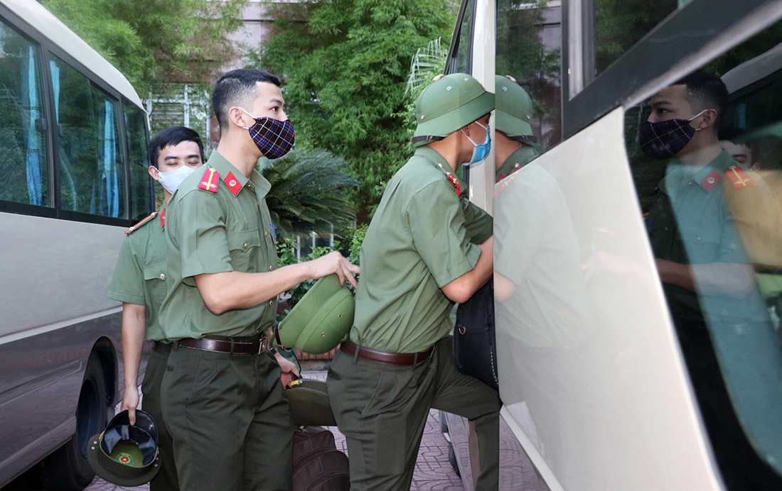 Nghệ An tăng cường lực lượng Công an, Y tế về Diễn Châu chống dịch