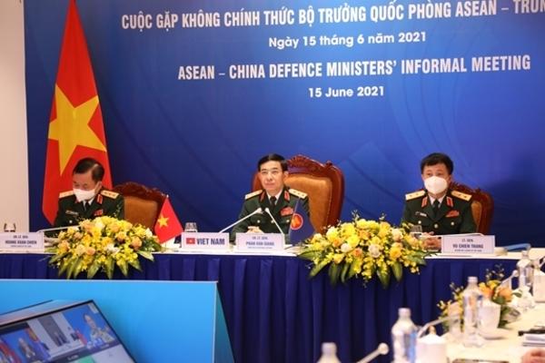 Hưởng ứng thiết lập đường dây nóng giữa Bộ trưởng Quốc phòng các nước ASEAN và Trung Quốc