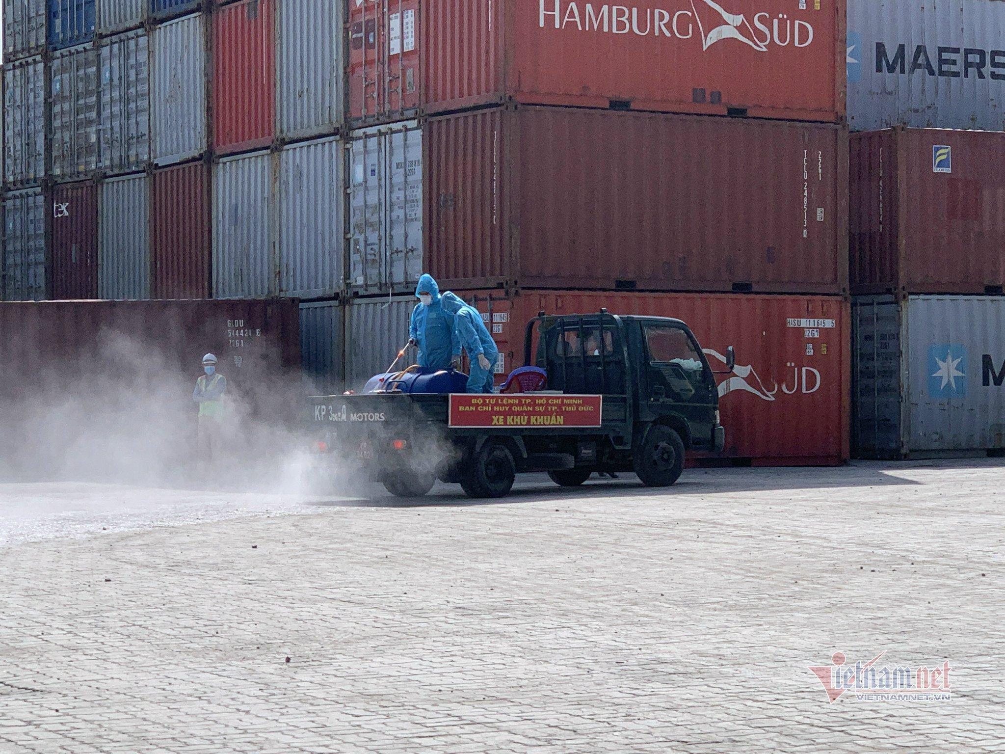 Dỡ phong tỏa cảng container Quốc tế ở TP Thủ Đức
