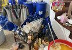 Hàng tỷ đồng mỹ phẩm, nước hoa hàng hiệu đựng trong xô chậu