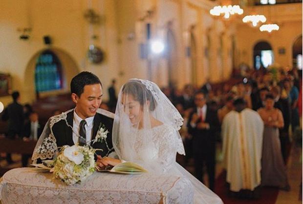 Tăng Thanh Hà hạnh phúc kỷ niệm 12 năm yêu ông xã