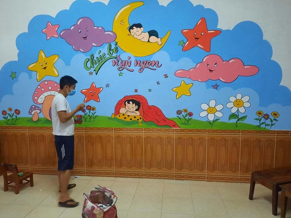 Thầy giáo Hà Tĩnh 'thay áo mới' cho trường học khi đi cách ly tập trung
