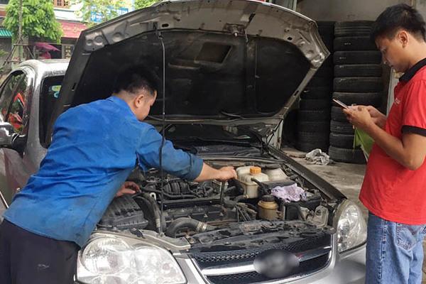 Có nên 'xuống tiền' mua ô tô đã làm lại máy hay không?
