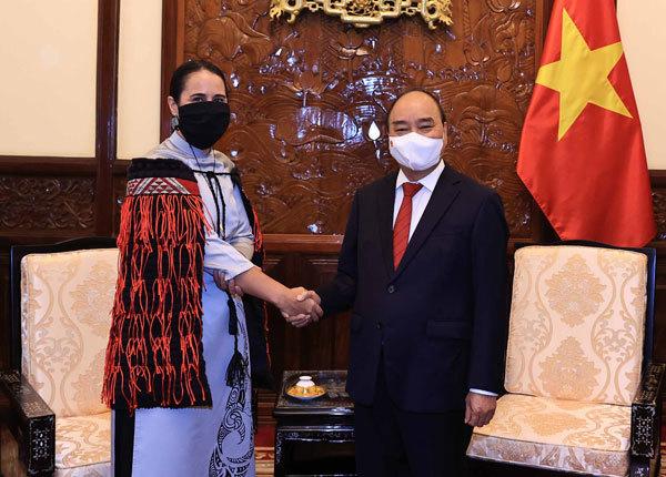 Vietnam-New Zealand relations,vietnamese ao dai