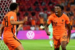 Video bàn thắng Hà Lan 2-0 Áo