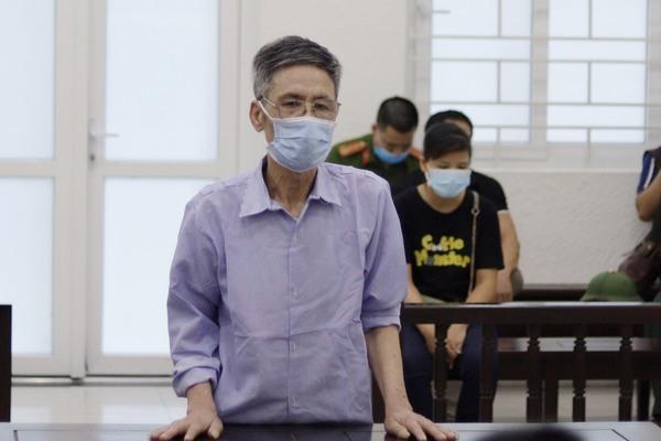 Giết vợ bằng 20 nhát dao rồi uống thuốc diệt cỏ tự tử ở Hà Nội