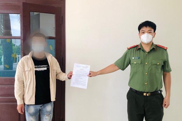 Phạt người đàn ông cắt tóc cho khách ở vùng dịch Bắc Giang