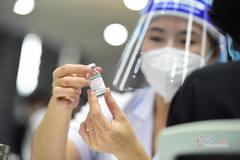 Gần 100.000 giáo viên TP.HCM được tiêm vắc xin Covid-19 vào tuần sau