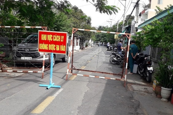 Dịch lan nhanh, TP.HCM phong tỏa ba khu vực của huyện Hóc Môn