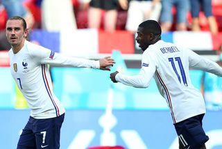 Griezmann giúp Pháp thoát thua Hungary