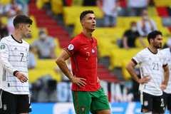 Bồ Đào Nha lập kỷ lục buồn ở trận thua đậm Đức