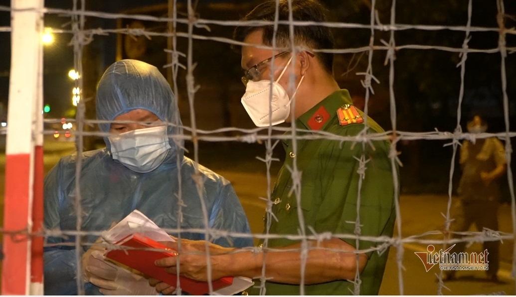 TP.HCM lập 22 chốt kiểm soát dịch, phong tỏa 3 khu phố quận Bình Tân