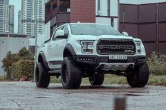"""Xưởng độ Sài Gòn """"biến hình"""" Ford Ranger thành F-150 Raptor siêu ngầu"""