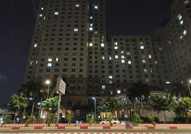 Foreigner falls to death in HCMC