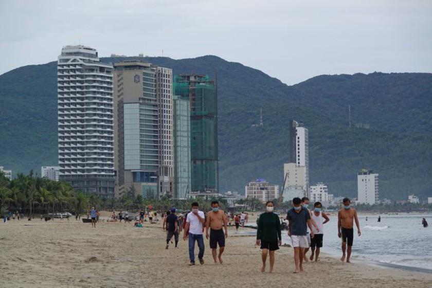 Da Nang imposes a ban on swimming at public beaches