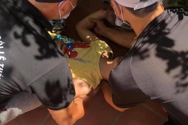 Bé trai 10 tuổi rơi từ cửa sổ tầng 5 chung cư ở Hà Nội