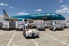 Hình ảnh máy bay chở 500.000 liều vắc xin Sinopharm về Nội Bài