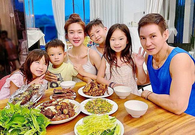 Hồng Vân bên ông xã Lê Tuấn Anh và 2 con sau loạt ồn ào