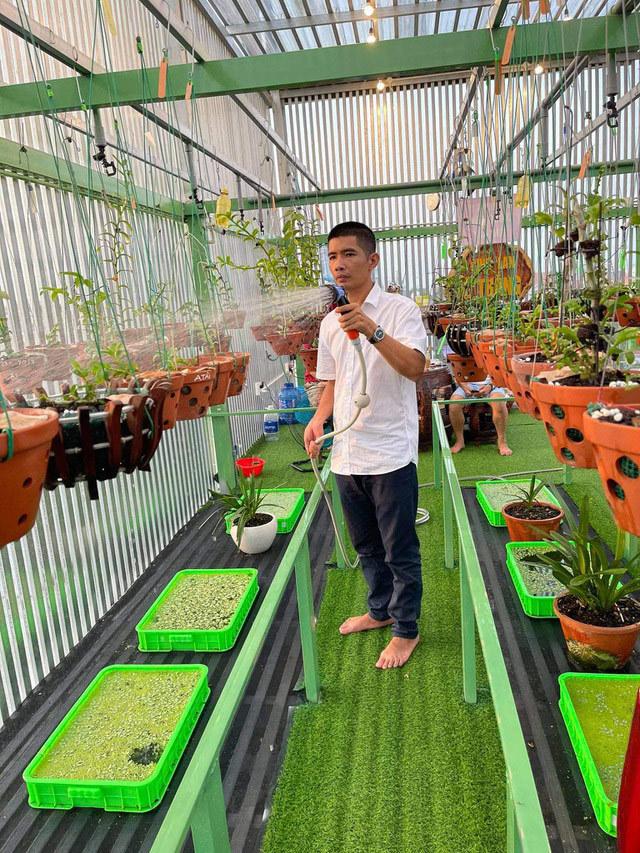 Bí quyết chăm sóc lan trong mùa mưa