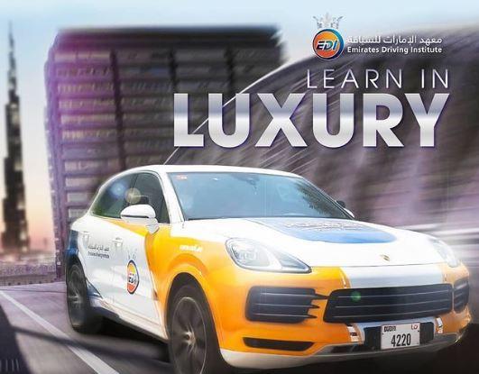 Dùng siêu xe Bentley, Porsche cho học viên tập lái