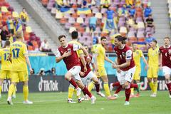Áo đánh gục Ukraine giành vé vào vòng 1/8