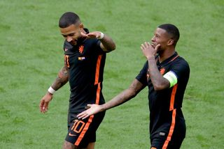 Depay,Wijnaldum giúp Hà Lan toàn thắng vòng bảng