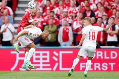 Đan Mạch 0-0 Nga: Schmeichel cứu thua (H1)