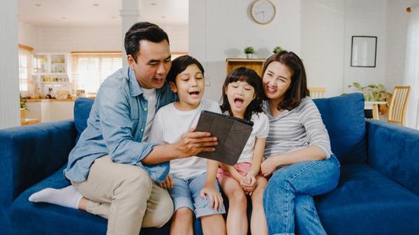 Gia đình thời công nghệ số: xa cách hay gắn kết đều ở ta