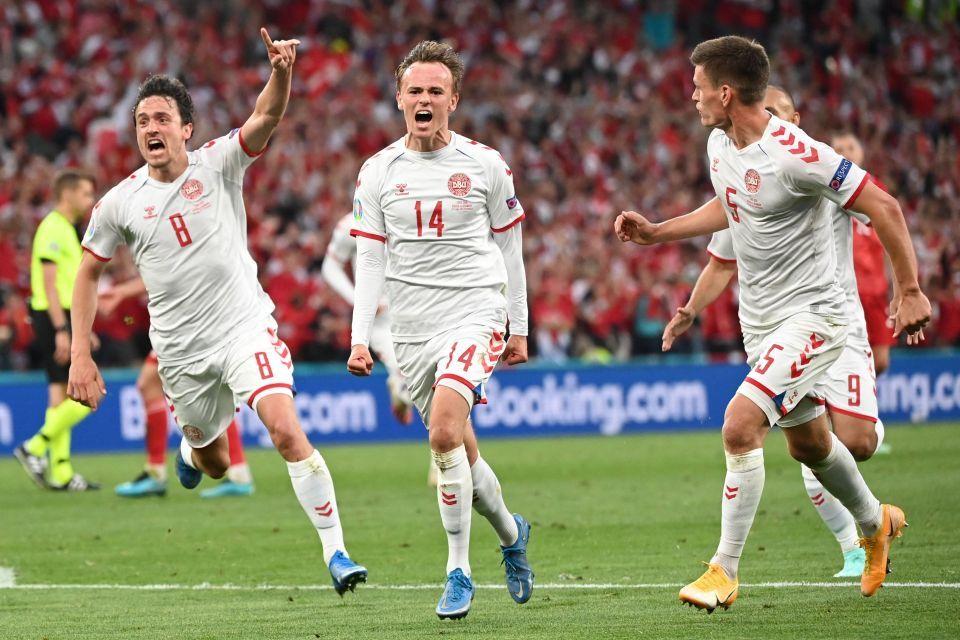 Mikkel Damsgaard, người hùng Đan Mạch ghi bàn trẻ nhất lịch sử