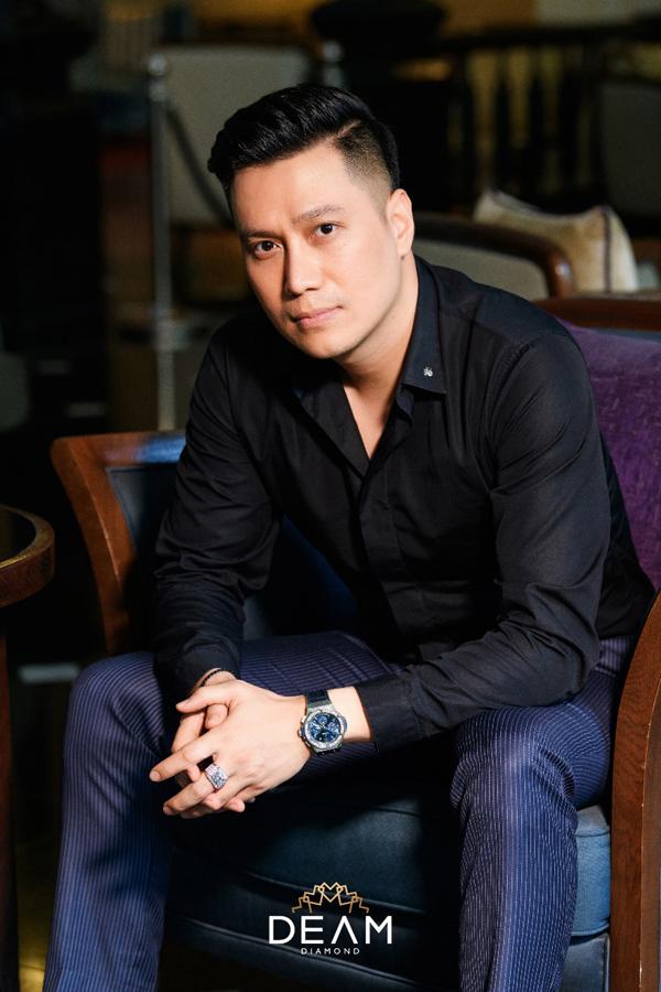 Việt Anh chơi lớn: sắm nhẫn kim cương cho vai diễn mới