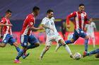 Messi châm ngòi, Argentina đoạt vé vào tứ kết