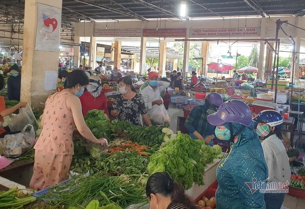TP.HCM tạm dừng 11 chợ truyền thống ở quận Bình Tân