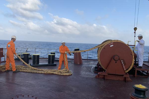 Thủy thủ, thuyền viên - những người vượt 'sóng' Covid-19
