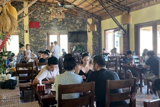Suburban resorts full as Hanoians escape summer heat