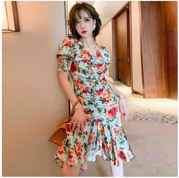 'Biến tấu' trang phục ngày hè với Shop Hồng Nguyên