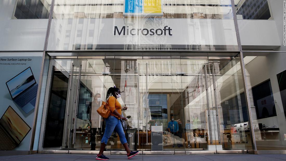 Microsoft đạt mức vốn hóa thị trường 2 nghìn tỷ USD
