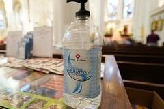 Mỹ cảnh báo nước rửa tay khô gây chóng mặt, buồn nôn