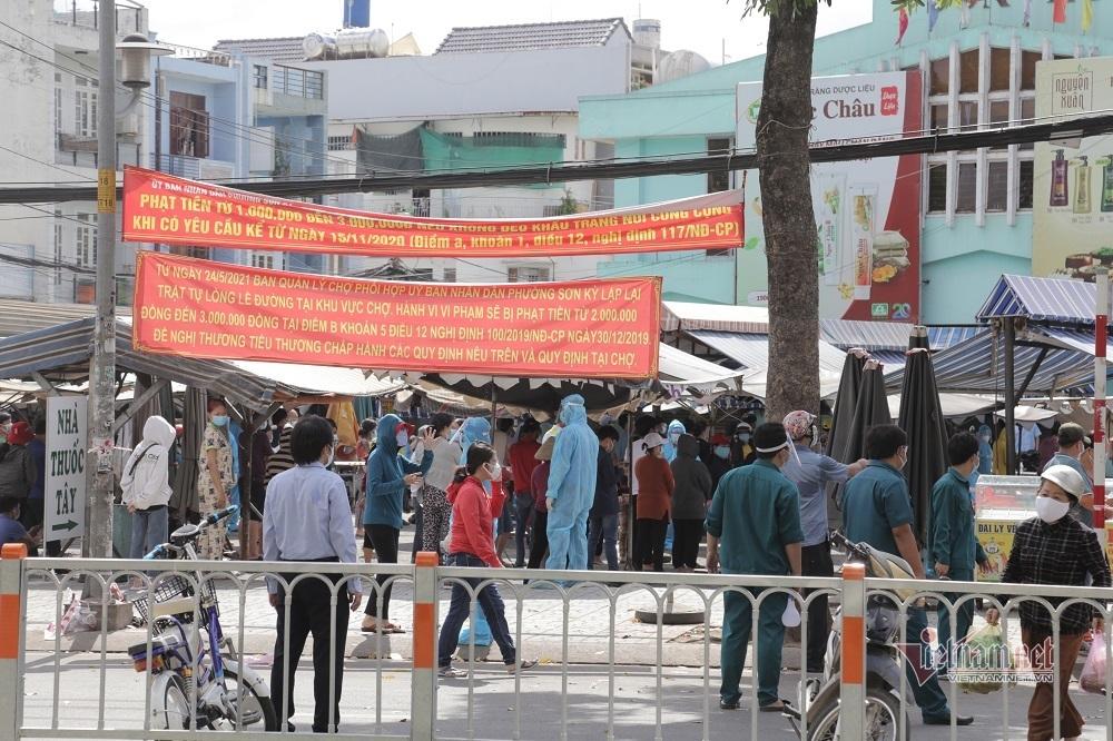 TP.HCM phong tỏa chợ Sơn Kỳ, khẩn trương lấy mẫu xét nghiệm tiểu thương