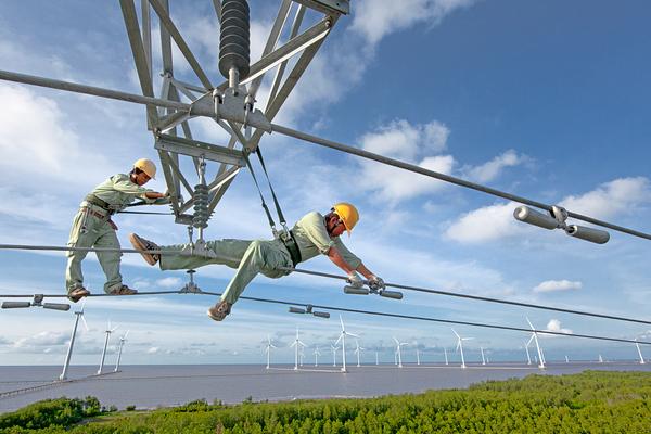 Thực hiện Nghị quyết Đại hội lần thứ XIII của Đảng: Phát triển năng lượng đáp ứng mục tiêu phát triển đất nước