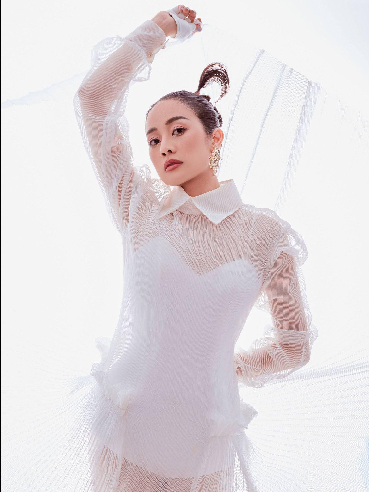 MC Phí Linh: Chồng tôi làm 'sếp' ở VTV nhưng về nhà là 'thường dân'