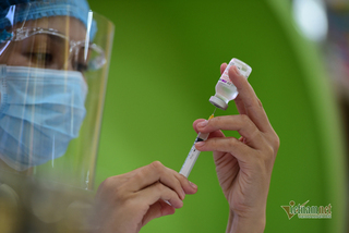 Vietnam to receive an additional 13 million doses of Covid-19 vaccine in two months