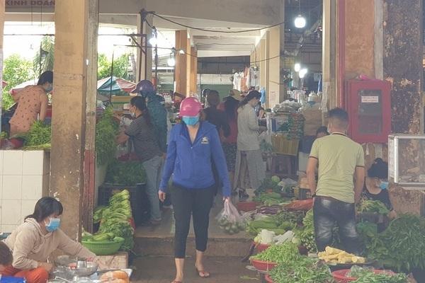 Thông báo khẩn tìm người đến khu chợ có chuỗi 43 ca Covid-19 ở quận Bình Tân