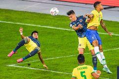 Video Brazil 2-1 Colombia: Ngả mũ trước siêu phẩm vô-lê