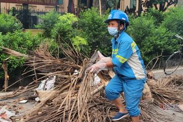 Gần 300 công nhân môi trường ở Hà Nội nhận đủ lương bị chậm trả