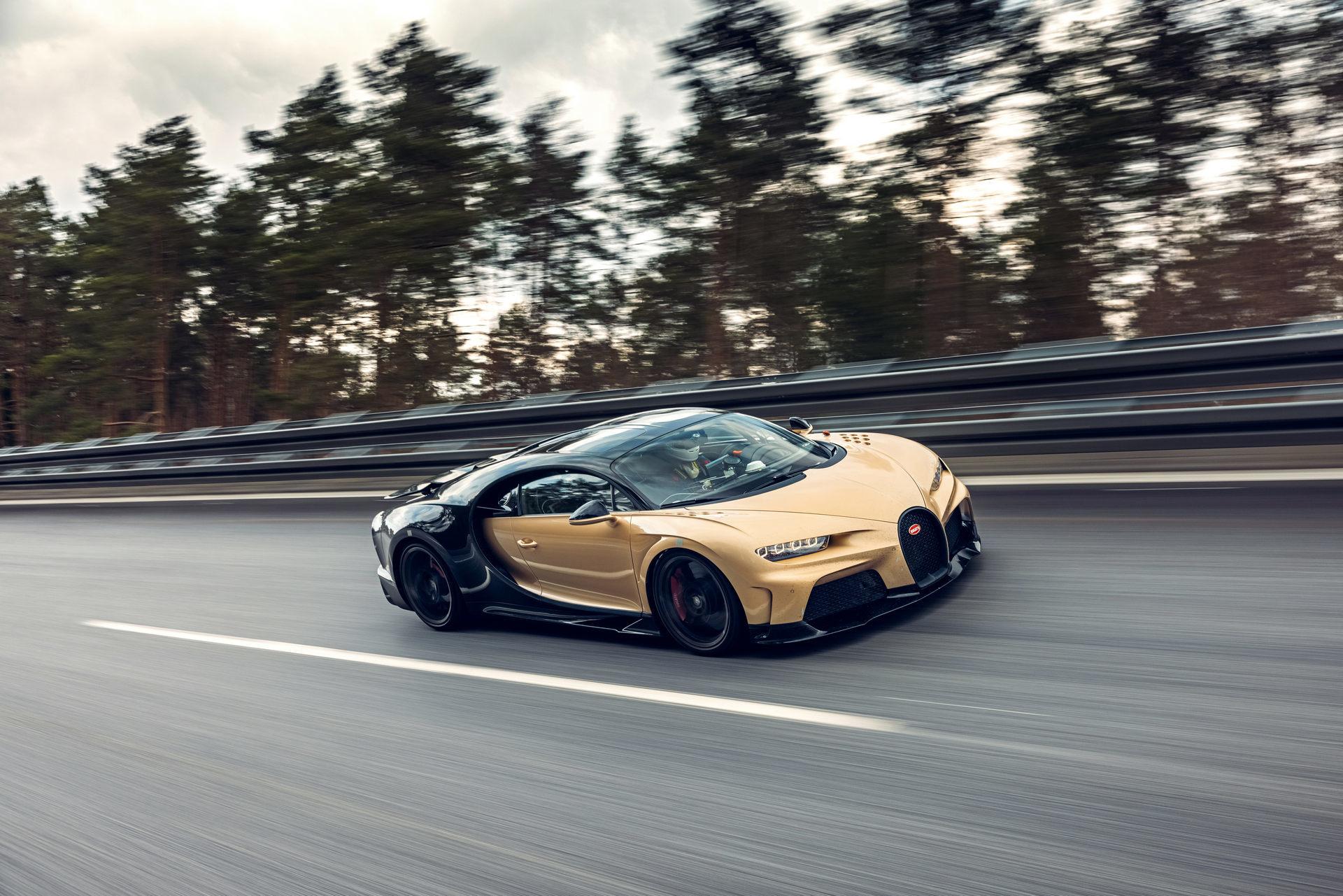 Hé lộ hình ảnh siêu xe Bugatti đang chạy thử với tốc độ 440 km/h