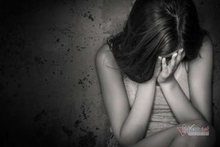 Phát hiện con gái 15 tuổi mang thai 6 tháng, gia đình tố cáo gã trai cùng huyện