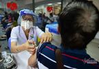 TP.HCM đề xuất tiêm vắc xin cho những người giao hàng
